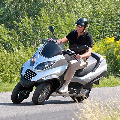 George Clooney, Famosos sobre ruedas