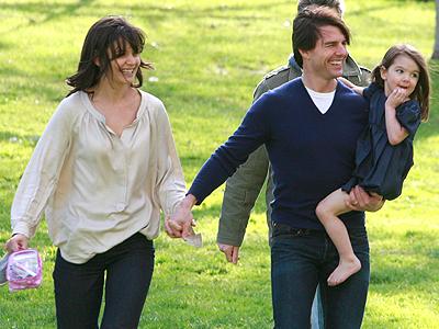 Katie Holmes, Tom Cruise, Suri Cruise