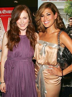 Julianne Moore y Eva Mendes