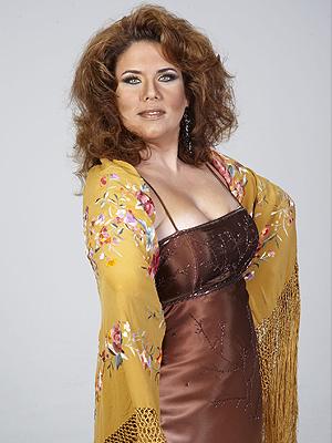 Ada Linares como Rocío Jurado