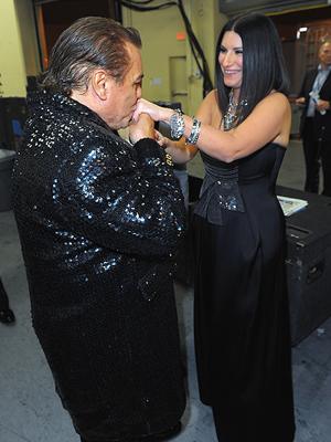 Juan Gabriel, Laura Pausini, Backstage