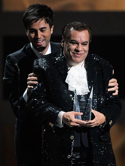 Juan Gabriel, Enrique Iglesias