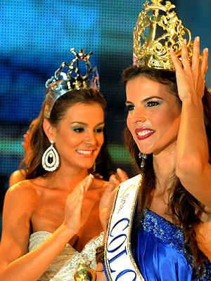 Laura Núñez, Miss Atlántico (Izq.) junto a Miss Colombia Natalia Navarro