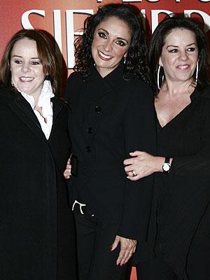 Fernanda Meade (centro), junto a Mayte e Isabelle Lascurain, Pandora