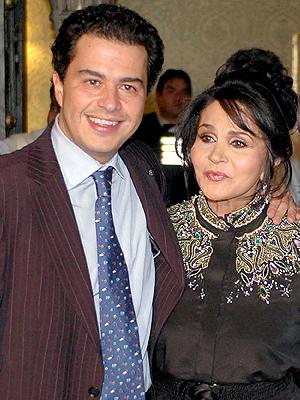 Lucero León, Toño Hogaza