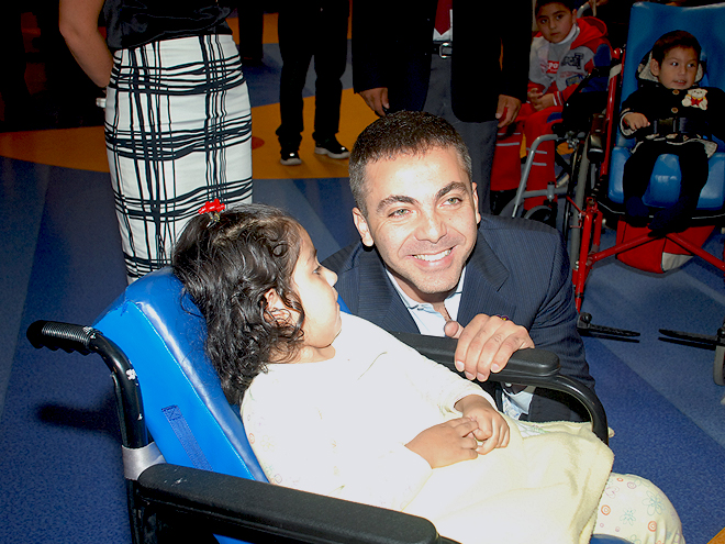 Cristian Castro, Stars giving back
