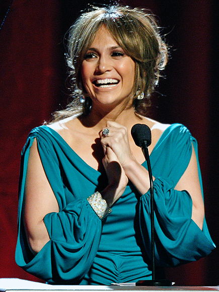 Jennifer López, Stars giving back
