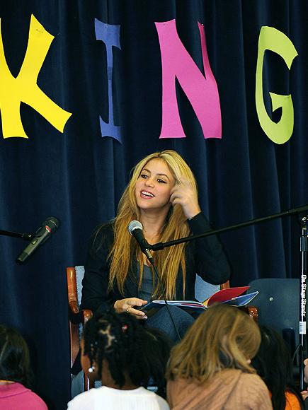 Shakira, Stars giving back