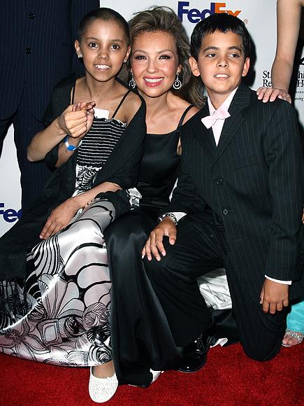 Thalía, Stars giving back