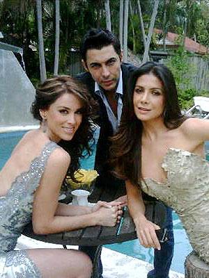 Nicolás Felizola junto a Jackie Bracamontes y Paty Materola