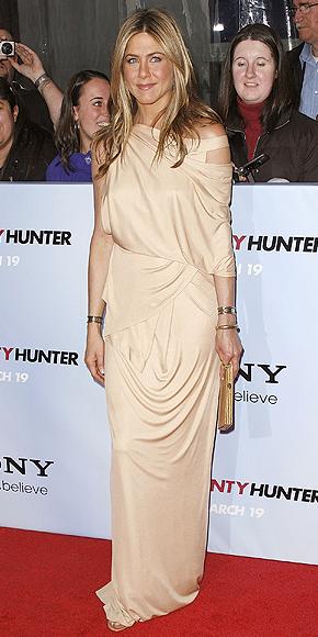 Jennifer Aniston, Drapeado