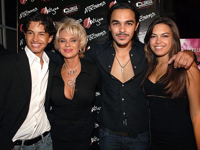 Charytín Goyco, Shalim, Sharina, Alexander, Mamacitas 2010