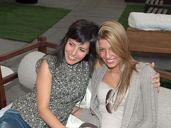 Stephanie Salas, Michelle Salas, Mamacitas 2010
