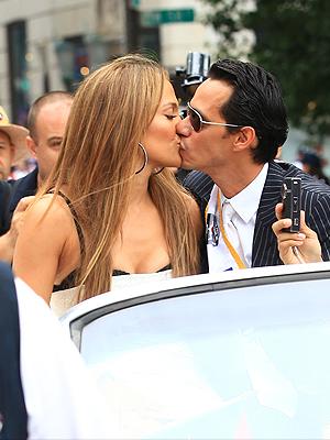Marc Anthony y J.Lo en el desfile puertorriqueño en NY