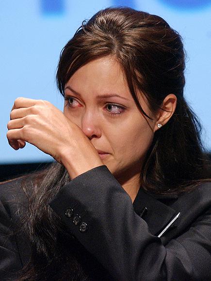 Angelina Jolie, Los famosos también lloran