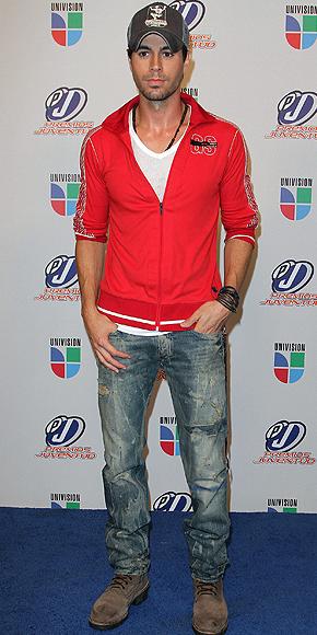 Enrique Iglesias, Peor vestidos 2010