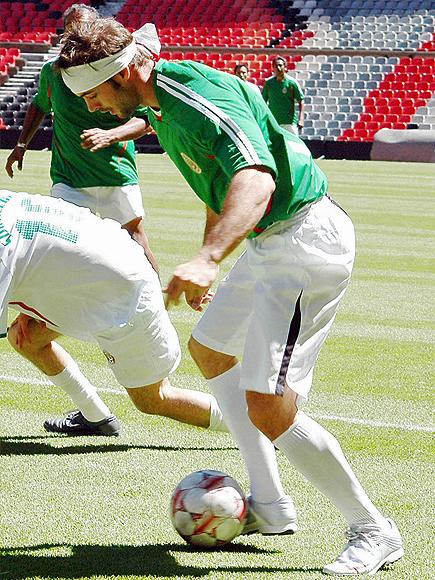 William Levy, Futbolista frustrados