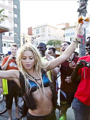 """Shakira filmando el vídeo de """"Loca"""" en Barcelona"""