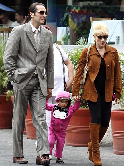 Pequeñas estrellas, Yuri e hija, Galería adoptados