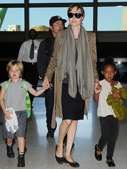 Angelina Jolie, Shilo Pitt Jolie, Shara Pitt Jolie