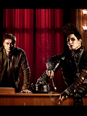 """Noomi Rapace y Michael Nyqvist en """"The Girl Who Kicked the Hornet's Nest"""""""
