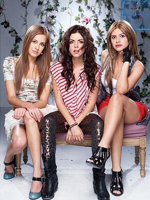 "Carmen Aub, Isabell Burr y Jessica San Juan, las ""Niñas Mal""."