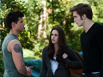 Robert Pattinson, Taylor Lautner y Kristen Stewart en Twilight: Eclipse