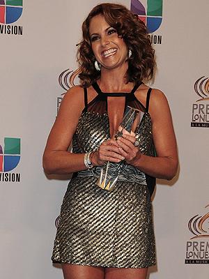 Lucero recibió el Premio Lo Nuestro a la Trayectoria