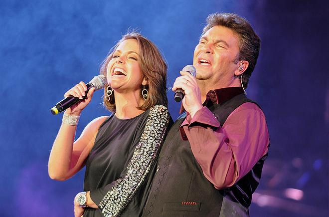 Lucero, Mijares cantan