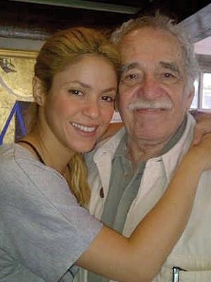 Shakira comparte en México con García Márquez