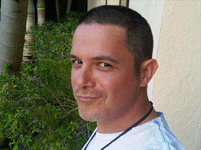Alejandro Sanz rapado