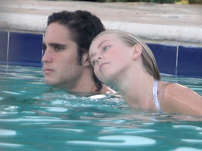Diego Boneta, Julianne Hough