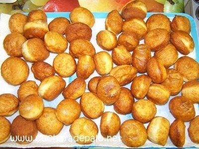 Pan al comal con jarabe de mango