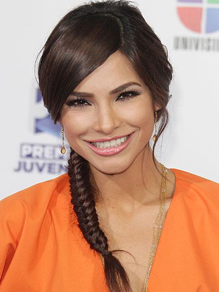 ALEJANDRA ESPINOZA, Mejores peinados 2011
