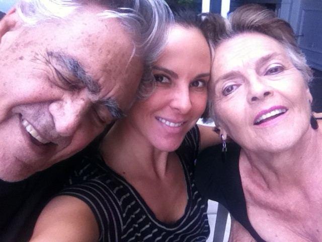 Kate del Castillo y padres