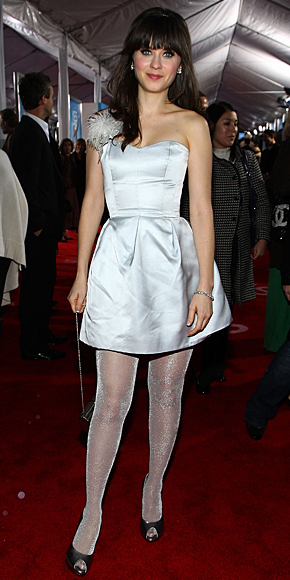 ZOOEY DESCHANEL, pantimedias