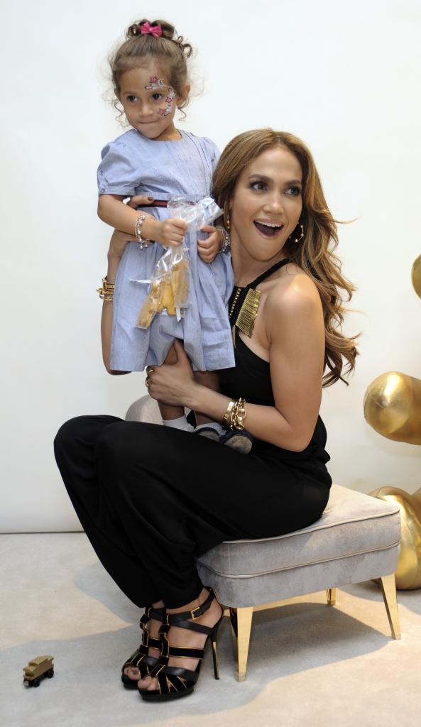 Jennifer López, Emme