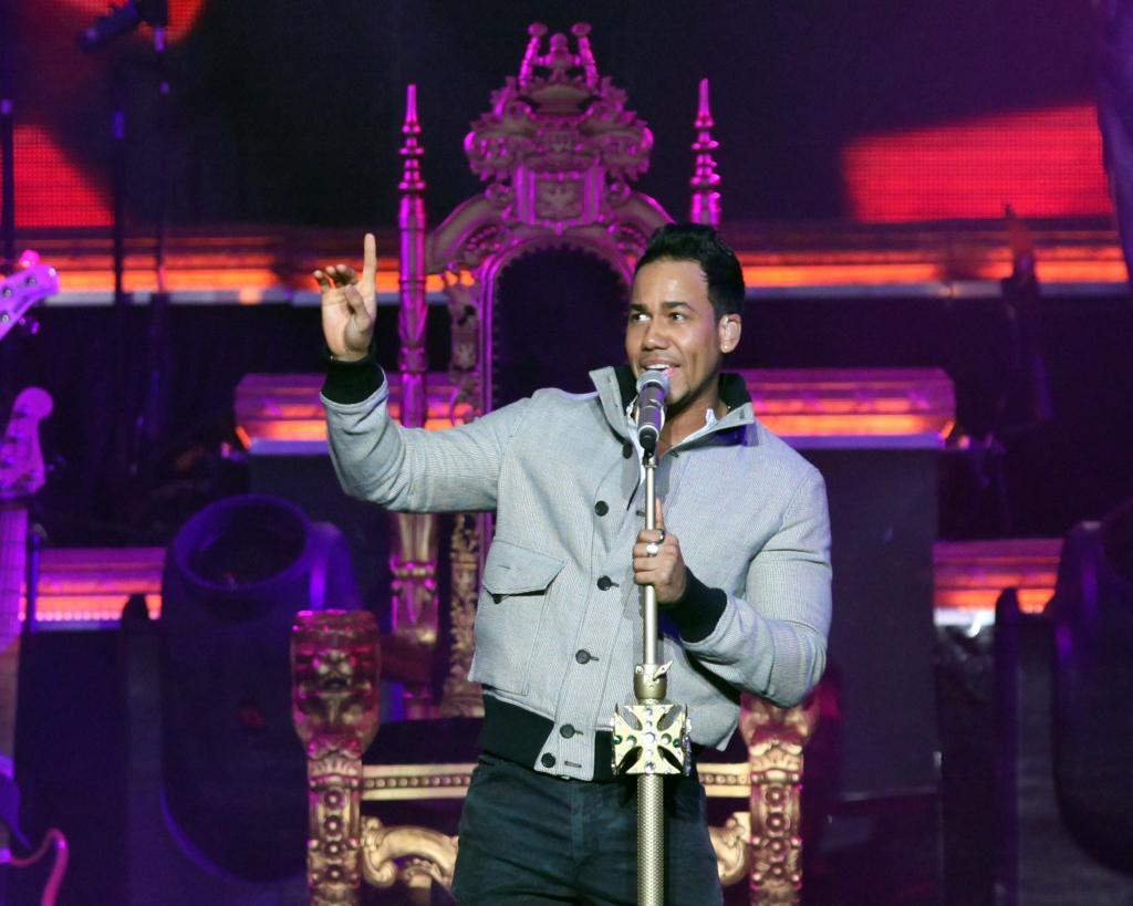 Romeo Santos debuta gira de solista con éxito