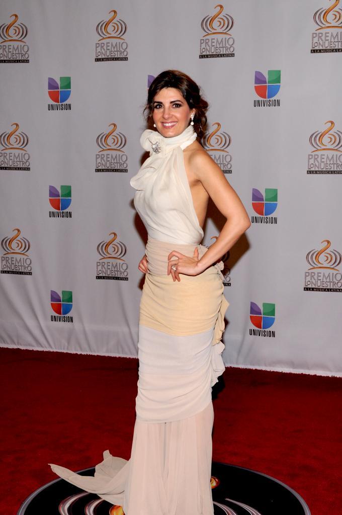 Mayrín Villanueva, Premio Lo Nuestro 2012