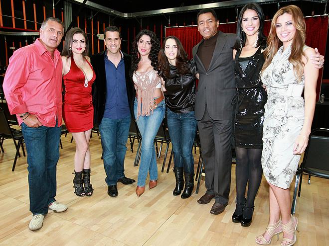 Héctor Soberón, Celia Lora, Marco Antonio Regil, Vicky Terrazas, Irán Castillo, Adrián Chávez