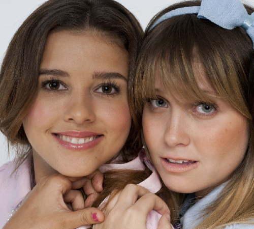 Paulina Goto y Natasha Dupeyron
