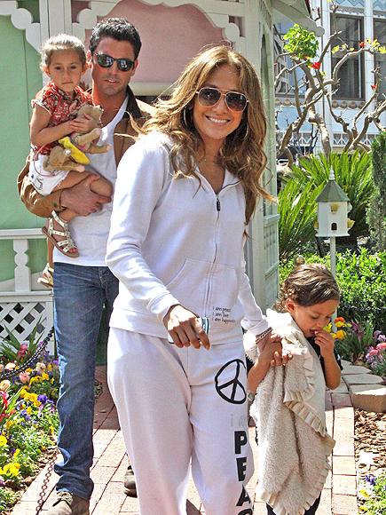 Jennifer López, Max, Emme