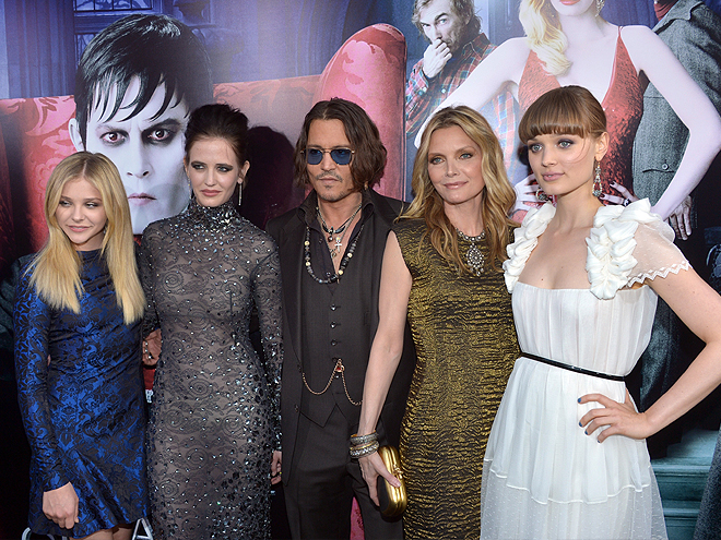 Cloe Morets, Eva Green, Johnny Depp, Michelle Pfeiffer, Bella Heathcote