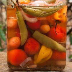 Jalapeños y zanahorias en escabeche