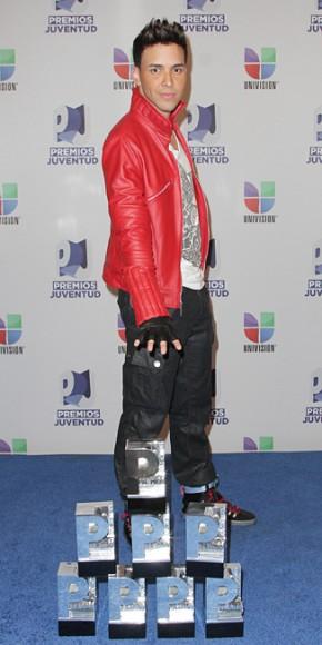 Prince Royce con sus ocho Premios Juventud