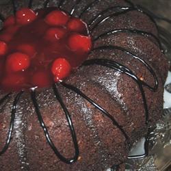 Pastel de chocolate con refresco de cola