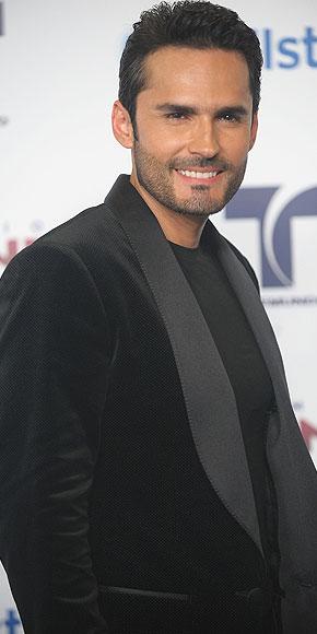Fabián Ríos, Premios Tu Mundo