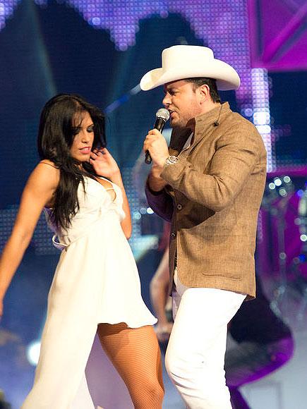 Roberto Tapia, Premios Tu Mundo Show