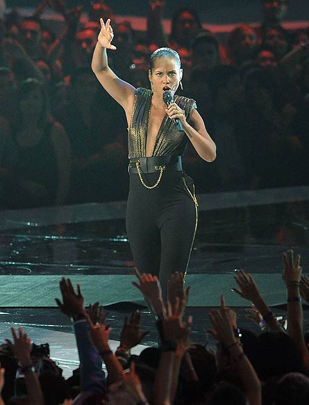 MTV Video Music Awards 2012, Alicia Keys
