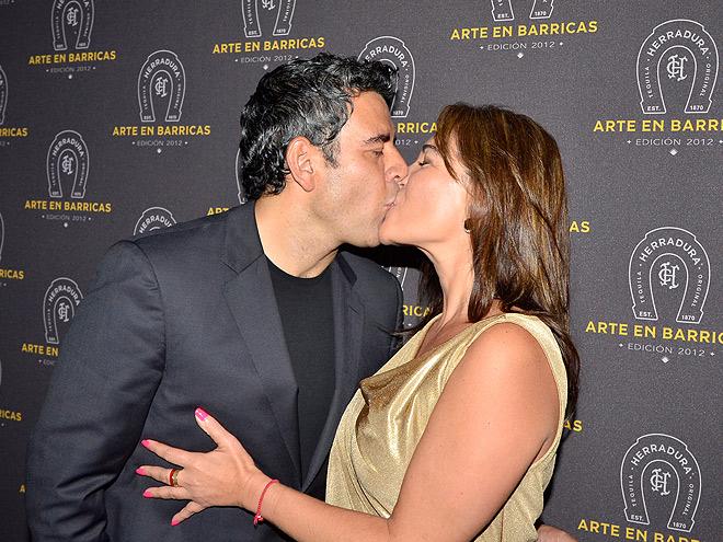 Héctor Sandarti, Paola Segura, Miralos